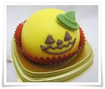 セブンイレブンのハロウィンスイーツ&お菓子!超豪華な歴代まとめかぶちゃのムースケーキ