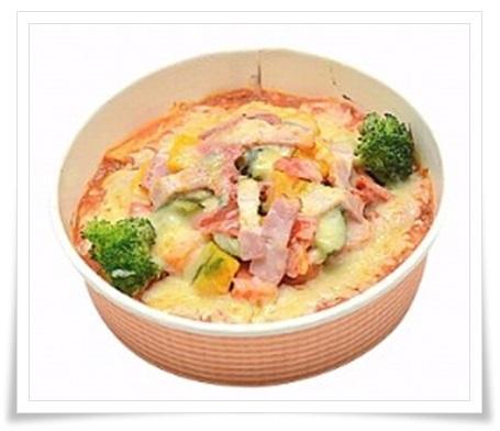 セブンイレブンのヘルシー弁当まとめ!おいしい&ダイエットにも!●緑黄色野菜のトマトグラタン(豆乳使用)