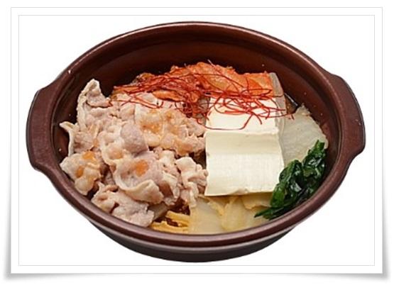 セブンイレブンの鍋の種類!野菜とスープが超うまい!カロリーは?1日に必要とされる野菜が摂れるキムチ鍋
