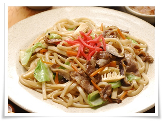 セブンイレブンの冷凍野菜が超便利!簡単&低カロリーなレシピ6選 焼きうどん