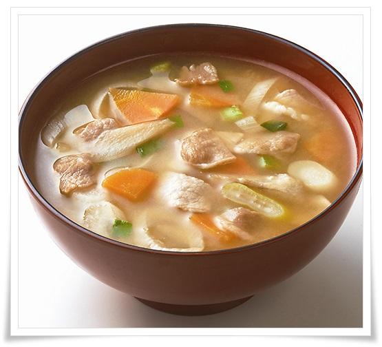 セブンイレブンの冷凍野菜が超便利!簡単&低カロリーなレシピ6選 豚汁