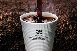 セブンのコーヒーを甘くするおすすめ方法!ガムシロップのカロリーも!1