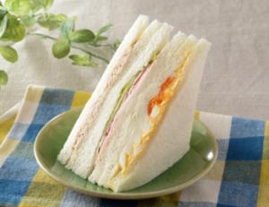 ローソンのサンドイッチでたまご入りの種類は?値段やカロリーも!3
