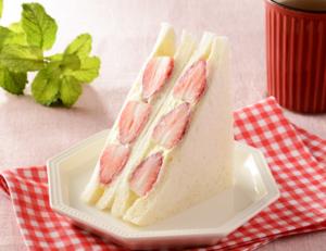 フルーツサンド(コンビニ)のおすすめ!食べやすいモノや甘いモノは?