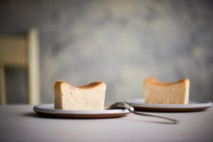 セブンでミスターチーズケーキ・ワッフルコーンカカオラズベリーが!