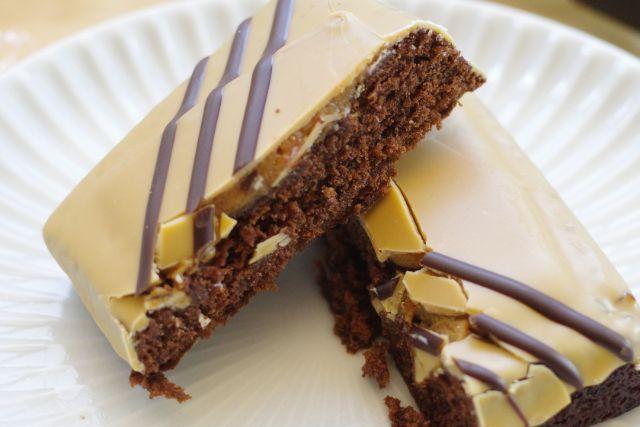 セブン濃厚チョコとラズベリーのブラウニーが美味しい!カロリーは?56
