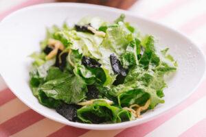 セブンのサラダでさっぱり食べやすいおすすめ商品とは?カロリーも!